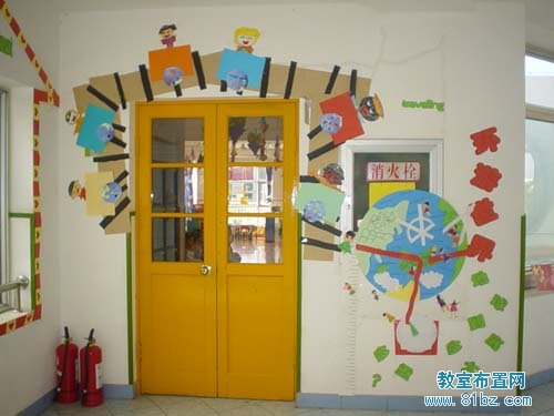 幼儿园门窗装饰图片:小鱼群