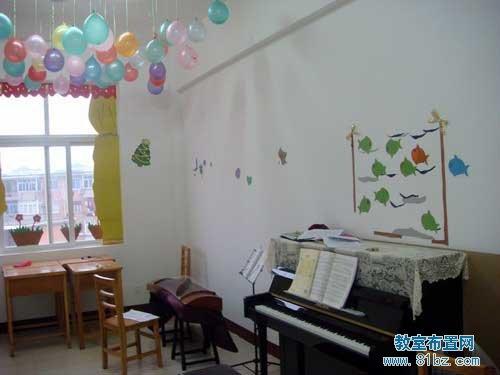 大学音乐教室布置图片:音乐学院琴房布置图片(2)