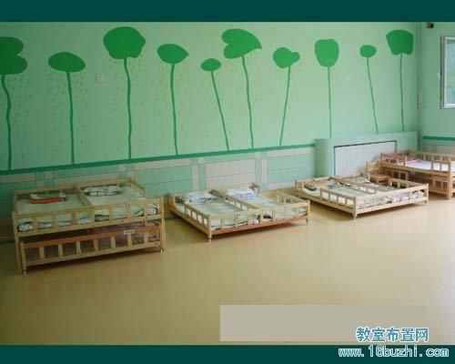 幼儿园睡眠室布置:安静空旷