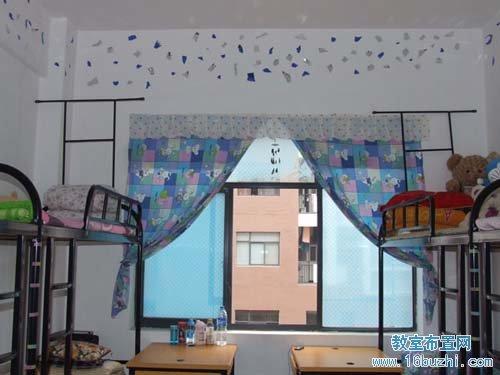 绿叶点 初二宿舍墙面装饰:竹                     初中女生宿舍窗户