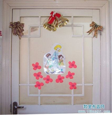幼儿园圣诞节门窗布置:圣诞铃铛