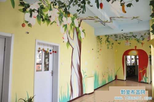 幼儿园走廊墙绘:蟠桃树