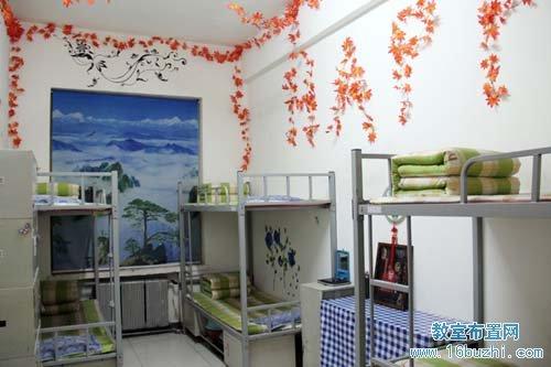 幼儿园毛巾_小学宿舍环境布置:霜叶红于二月花_教室布置网