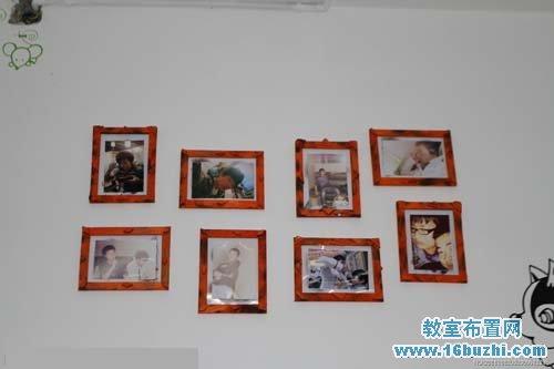 挂着生活照片的初中男生宿舍墙面