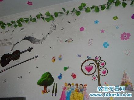 高中女生宿舍墙面装饰:城堡公主_教室布置网图片