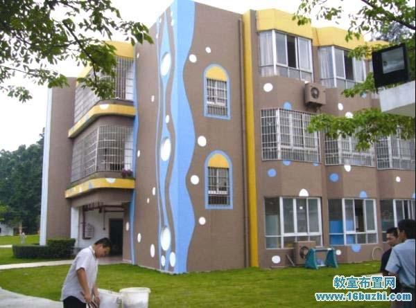 幼儿园外墙装饰_简单大方的幼儿园外墙彩绘图片_教室布置网